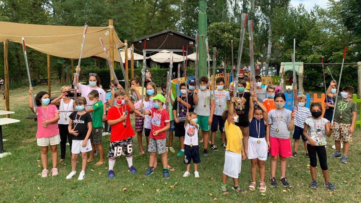 I partecipanti alla Gara del piccolo pescatore al Lago Arcobaleno di Riccione